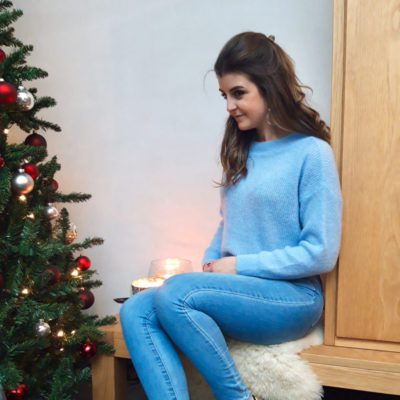 Blue soft knitwear